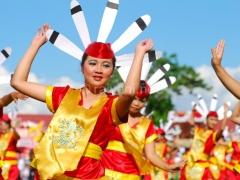 tarian-festival-isen-mulang
