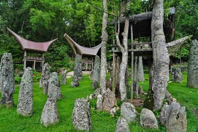 kuburan-batu-bori-parinding