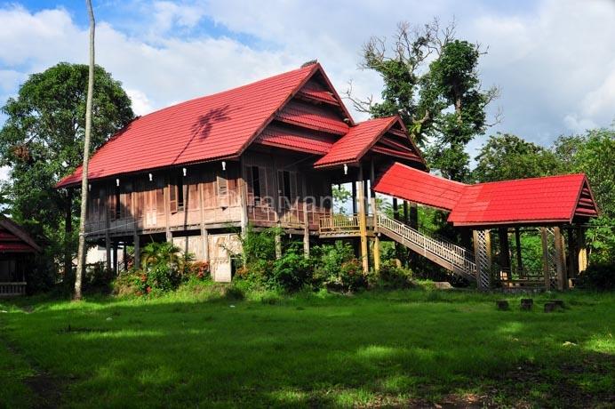 rumah-adat-sulawesi