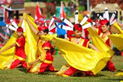 tarian-massal-festival-isen-mulang