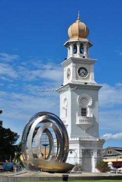 queen-victoria-memorial-clock-tower