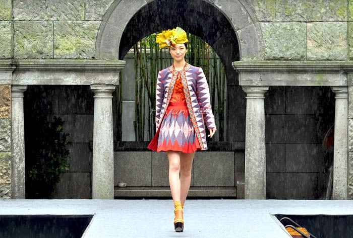 Tenun Bali Karya Priyo Oktaviano