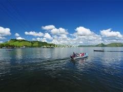 perahu-menuju-pulau-ase