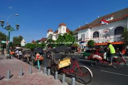 kantor-pos-dan-bank-indonesia