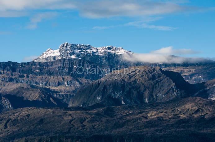 salju di puncak trikora