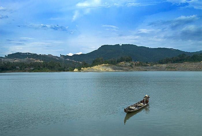 Danau Kandi, kawasan bekas tambang yang menjadi objek wisata (dok westsumatra.com)
