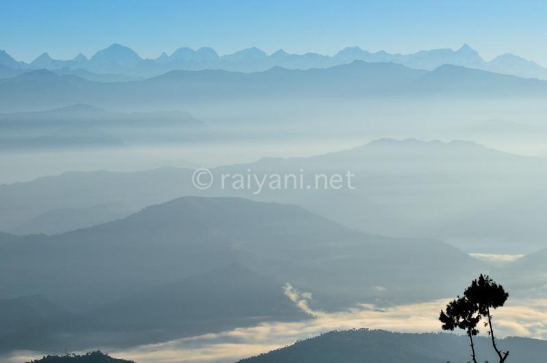 Kabut pagi Himalaya