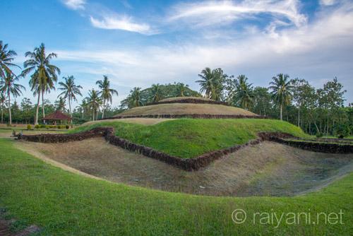 Punden Berundak, tempat memuja arwah nenek moyang jaman dahulu - raiyani
