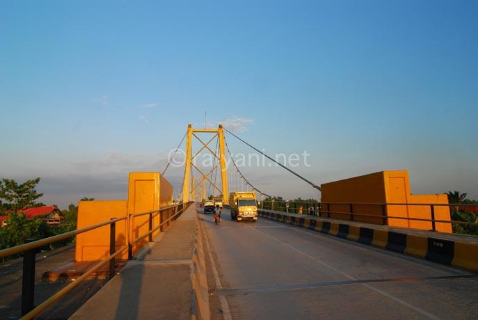 jembatan barito south kalimantan