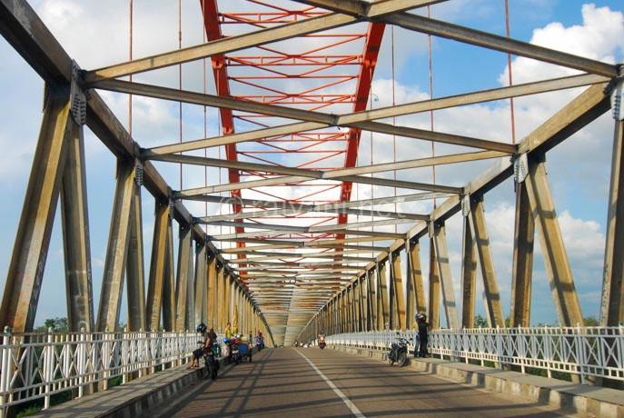 jembatan kahayan palangkaraya central kalimantan