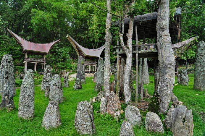kuburan batu bori parinding south sulawesi