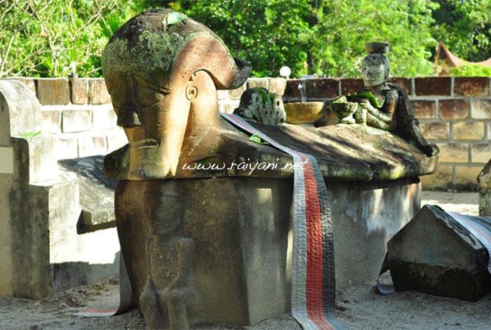 kuburan-batu-north-sumatra