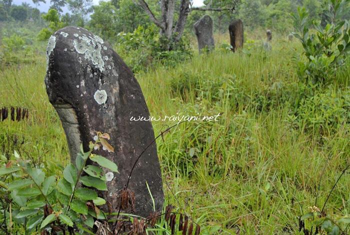 menhir-di-mahat-west-sumatra