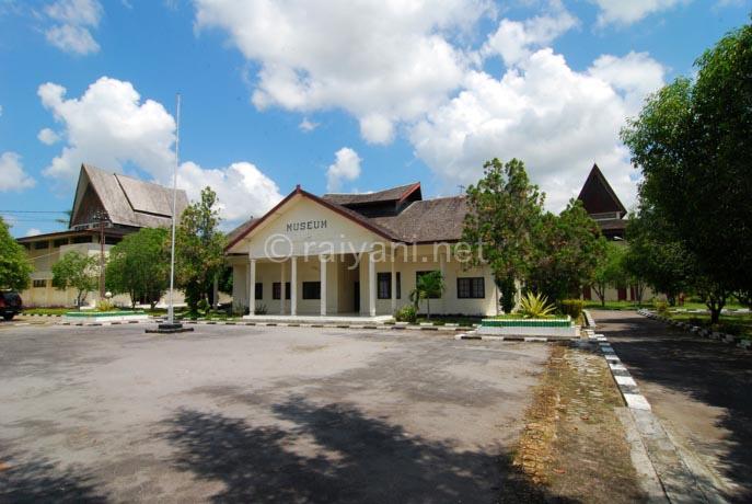 museum palangkaraya central kalimantan