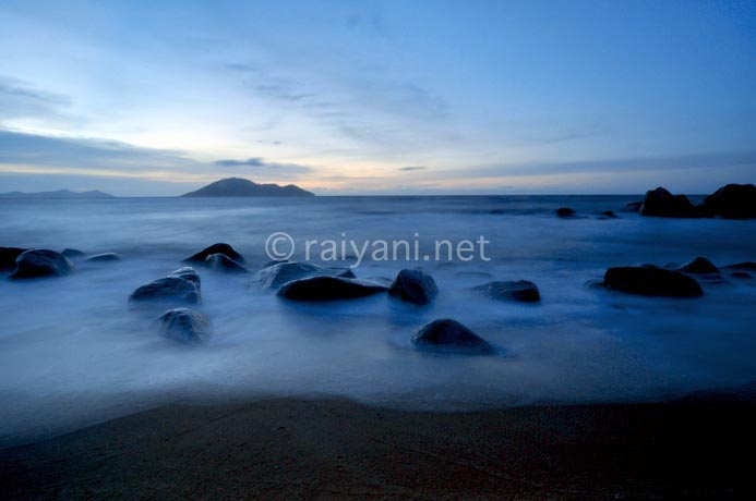 pantai batu payung dan pulau kabung singkawang west kalimantan