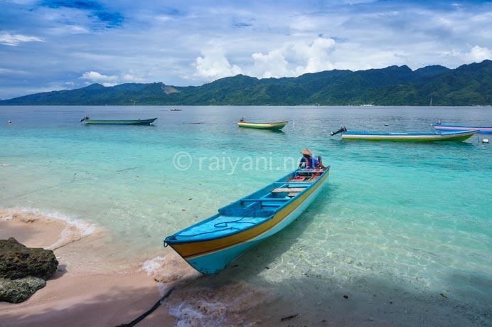pantai pulau dua ambon