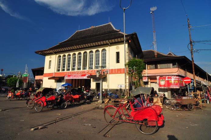 pasar gede central java