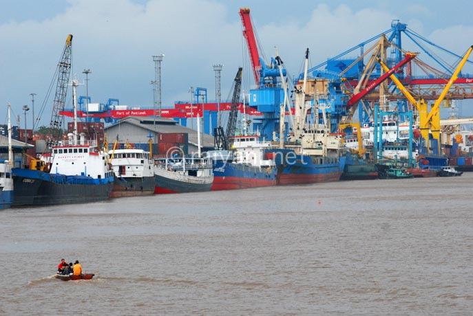 pelabuhan pontianak west kalimantan