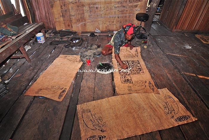 pelukis kulit kayu