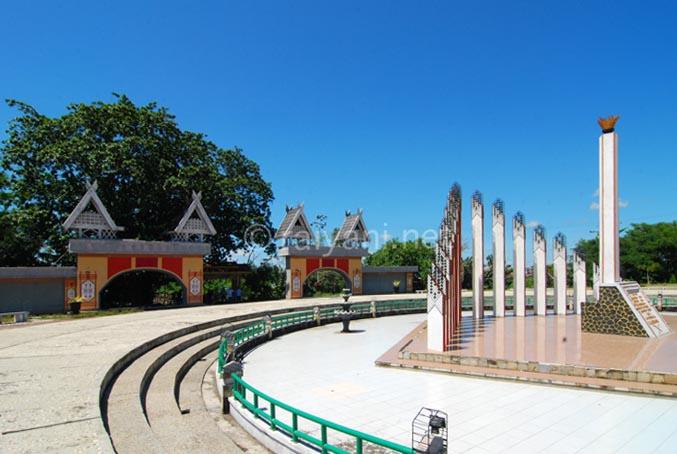 taman monumen tugu soekarno palangkaraya central kalimantan