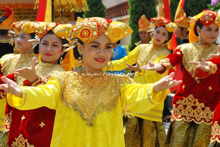 tari-pasambahan-west-sumatra