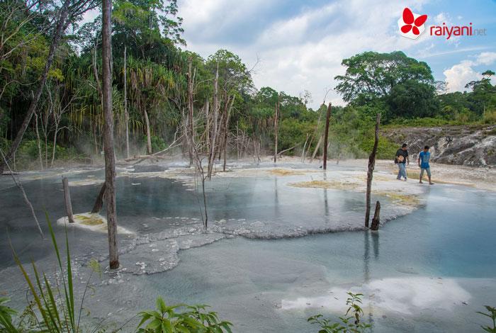 Keindahan Air Panas Tinggi Raja Sumatra Utara - raiyani