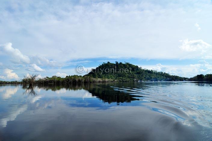 Terkenang di Bukit Tekenang - danau sentarum raiyani DSC_4148